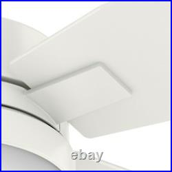 Hunter Fan 50 in Contemporary Fresh White with Indoor Ceiling Fan with Light Kit
